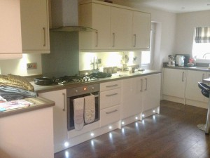 White Gloss Fitted Kitchen Sheffield